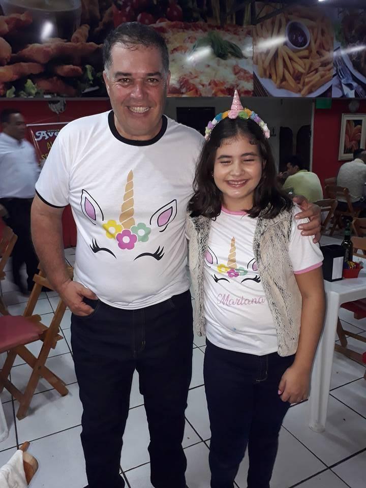 Aniversário da pequena Mari ontem (31-05), a noite na Pizzaria Avenida