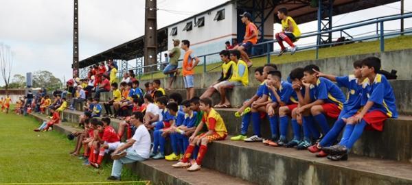 Fotos: do 1ª Festival Cidade de Ponta Porã de Futebol Suíço, Fe Esperança e Cultura.