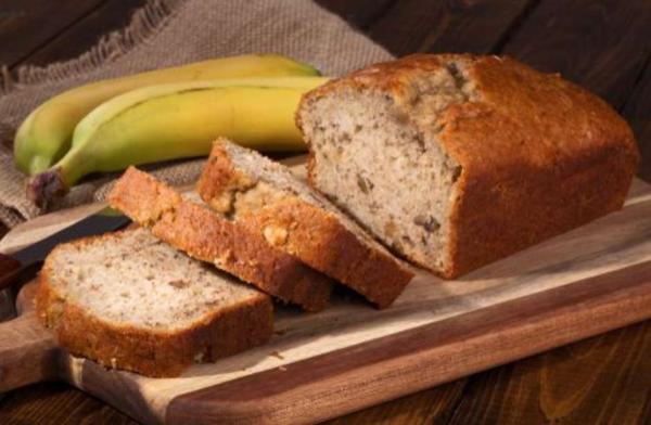 Pão de banana com castanha:  saboroso e nutritivo