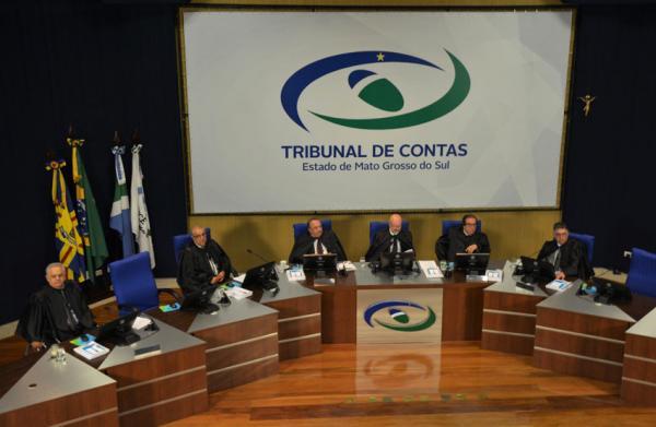 Em sessão do Pleno desta quarta-feira (20), os conselheiros do Tribunal de Contas do Estado de Mato Grosso do Sul julgaram um total de 52 processos