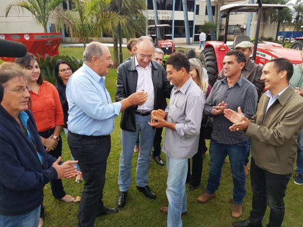 O prefeito Hélio Peluffo agradeceu o apoio constante do governador Reinaldo Azambuja