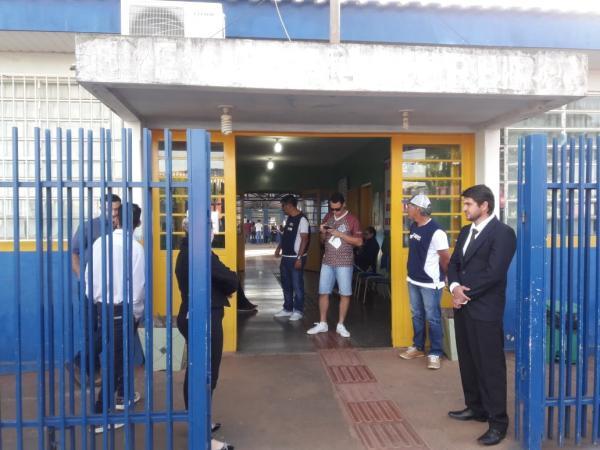 Escola Estadual Aral Moreira foi um dos três locais de aplicação das provas do concurso público da Prefeitura de Antônio João (Foto: Fábio Quintana)