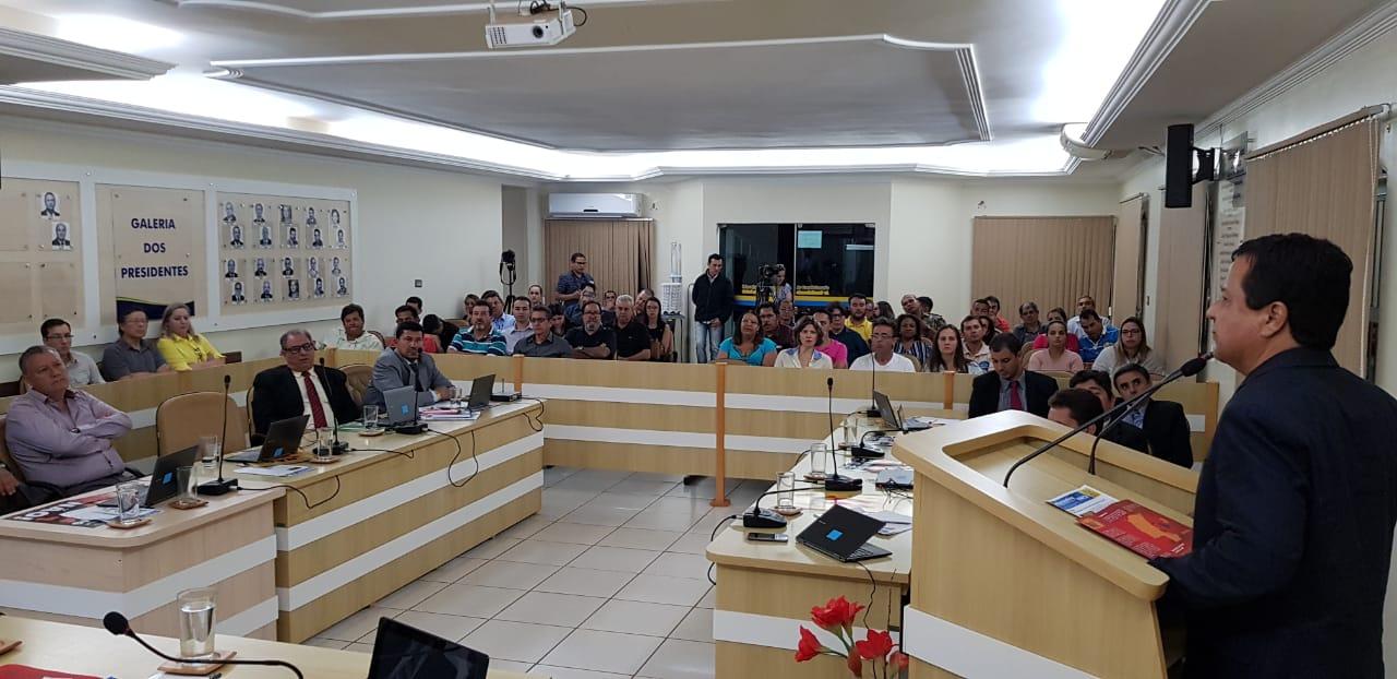 Câmara de Costa Rica foi palco de debates sobre possíveis riscos na extração do gás de xisto
