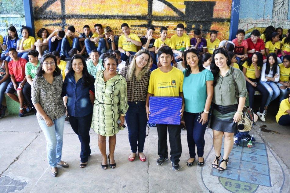 Presente foi resultado da união de esforços de professores e estudantes. - Foto: Gisele Ribeiro/PMC)