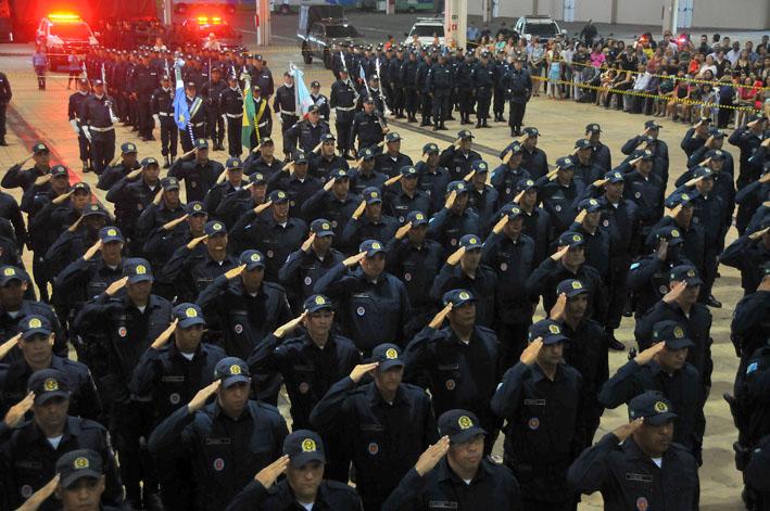 São 388 vagas para soldado, 50 para oficial combatente e 12 para especialista. - Foto: Valdenir Rezende