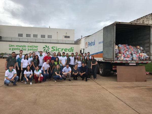 As entregas das doações foram realizadas na Vila São Brás através da Paróquia Nossa Senhora do Carmo e no Jardim Maracanã através da Paróquia Santa Teresinha