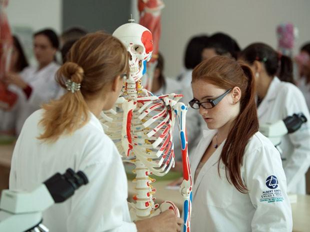 MEC seleciona Anhanguera para implantar curso de Medicina em Ponta Porã