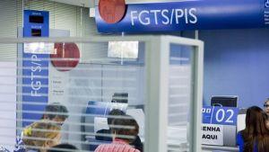 Começaram a receber hoje (15) o abono salarial do PIS