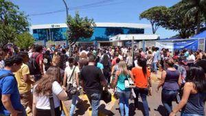 Mais de 112 mil candidatos zeraram a redação do Enem; 55 tiraram nota máxima