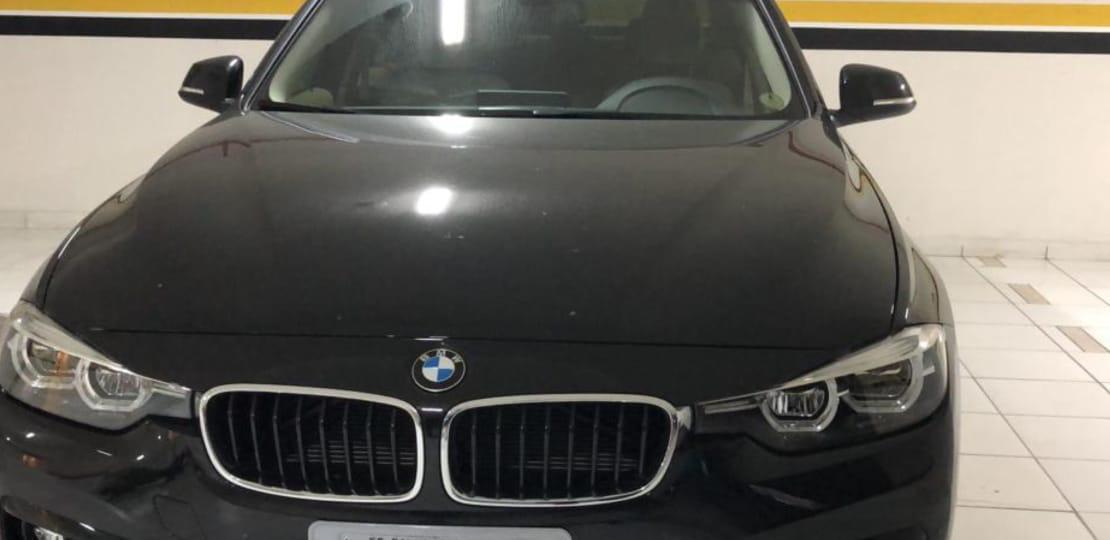 Dentre as apreensões, a PF recolheu o carro do traficante, uma BMW - Foto: Reprodução/PF