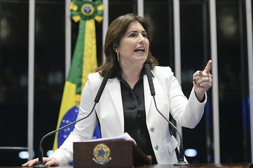 Simone disse que teve de enfrentar sozinha Renan e impedir o segundo turno - Foto: Fabio Pobbezom / Agência Brasil