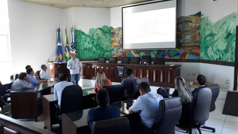 Vereadores de Ponta Porã se reúnem com Energisa e Procon após reclamações no aumento de contas de luz