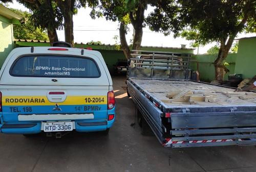 Vídeo: Polícia apreende 800 quilos de maconha em fundo falso de caminhão