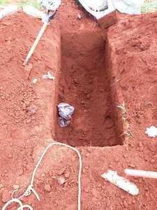 Mulher que morreu esfaqueada em bar tem corpo furtado em cemitério