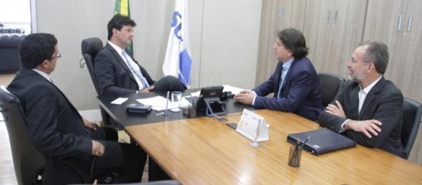 Assomasul pede a Mandetta regularização de veículos entregues aos municípios de MS