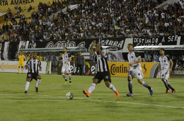 Operário tem jogador expulso, sofre goleada do Botafogo-PB e é eliminado