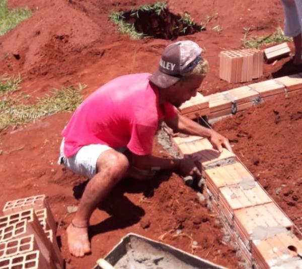 Familiares realizam terceiro sepultamento com precauções