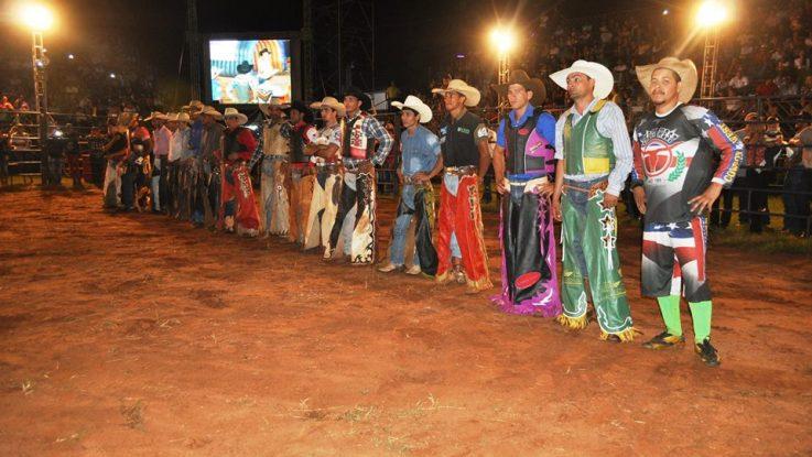 Rodeio Profissional da Exporã terá premiação em dinheiro – Foto: Nida Costa