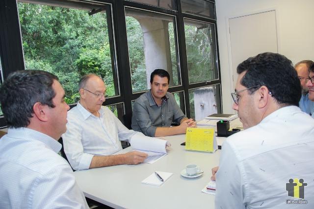 Prefeitos durante reunião na Governadoria (Fotos: Edson Ribeiro)