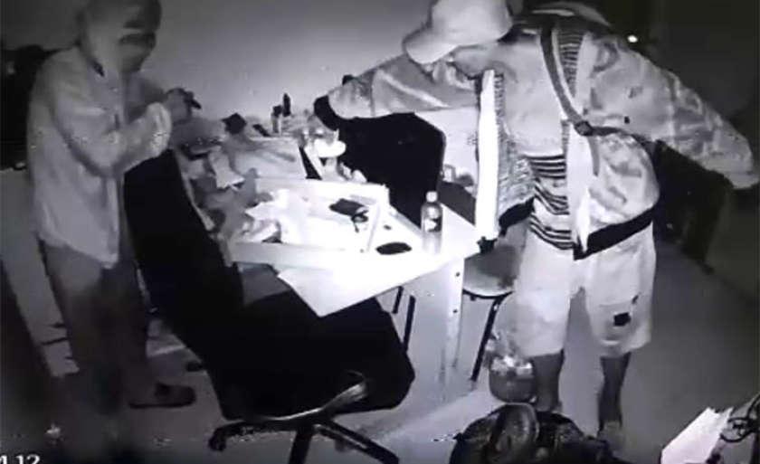 Imagens do furto divulgadas pela polícia - Foto: Divulgação
