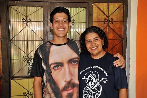 """Filho de Maria, """"Jesus"""" nasceu no Tarumã e sonha em ser militar"""