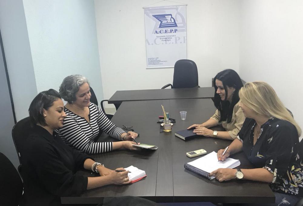 Presidente e secretária executiva da ACEPP estiveram reunidas com consultoras da Arcanjos Kids