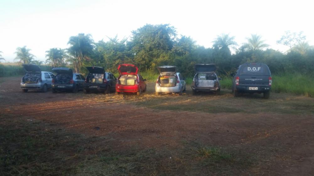 DOF apreende comboio de veículos com produtos contrabandeados
