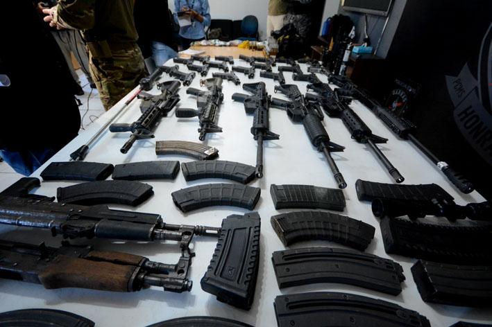 Armas apreendidas poderiam ser usadas em crimes na Capital - Foto: Bruno Henrique / Correio do Estado