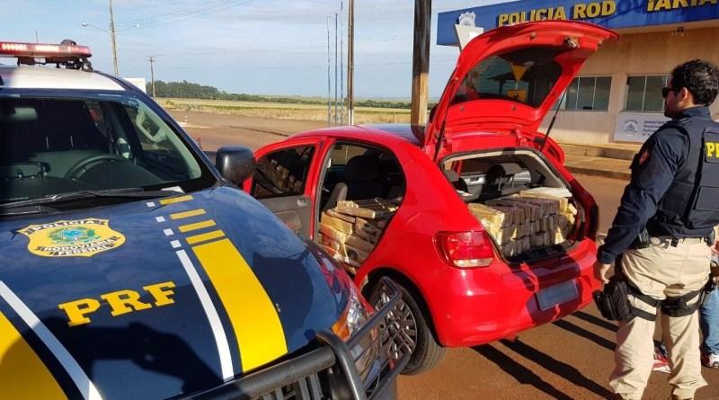 PRF apreende 640 quilos de maconha em carro roubado há seis anos
