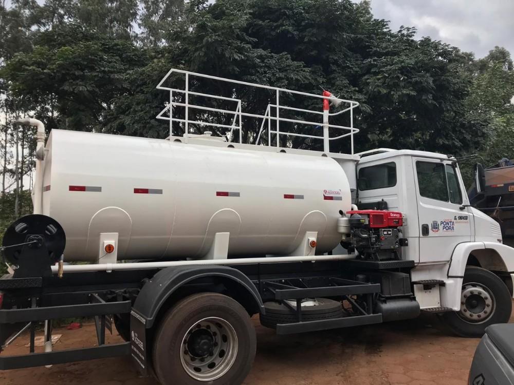 Prefeitura adquire novo tanque pipa após 34 anos
