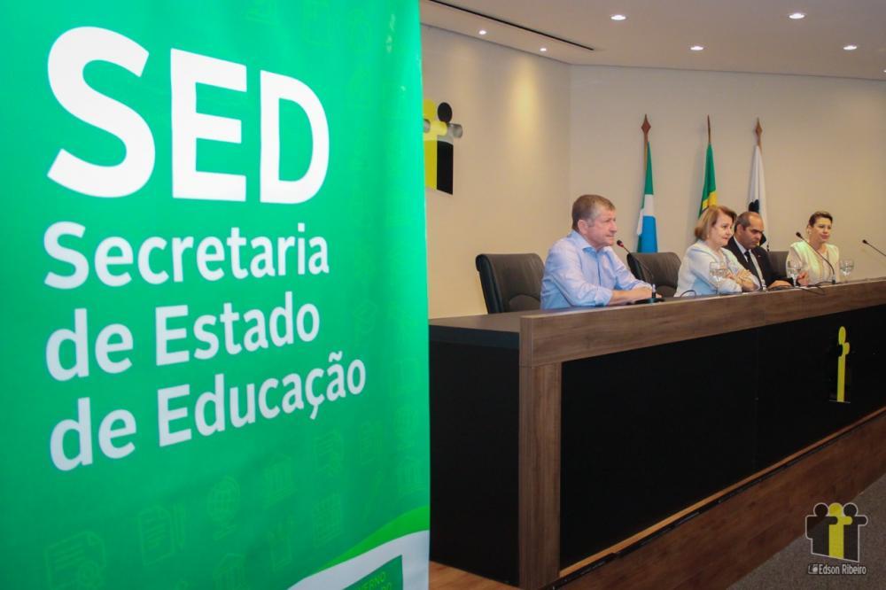 Eraldo Leite durante discurso (Fotos: Edson Ribeiro)