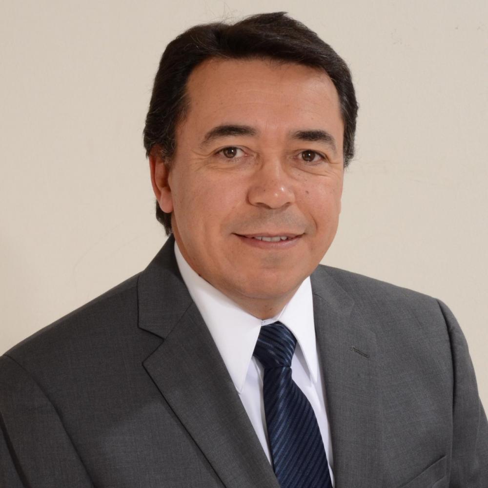 O renomado empresário e consultor empresarial Elias Lourenço será o palestrante