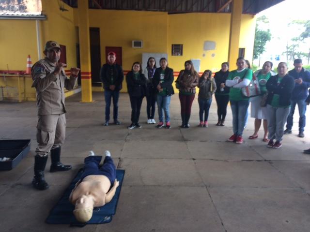 Turmas do Profuncionário de Ponta Porã durante visita técnica ao 4º Grupamento de Bombeiros Militar de Ponta Porã