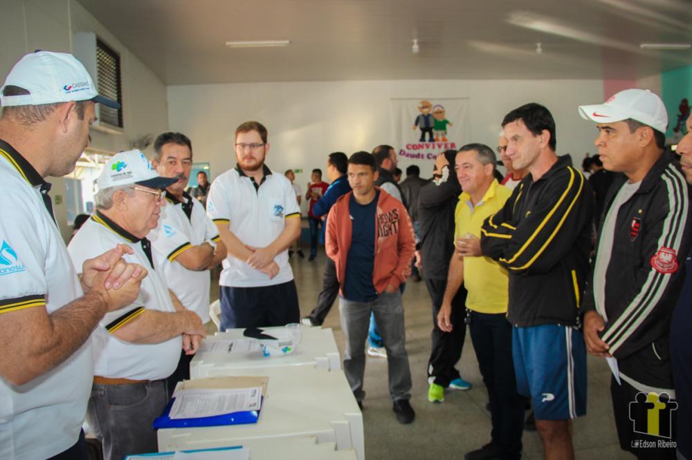 Coordenadores durante rodada de Mundo Novo (Foto: Edson Ribeiro)