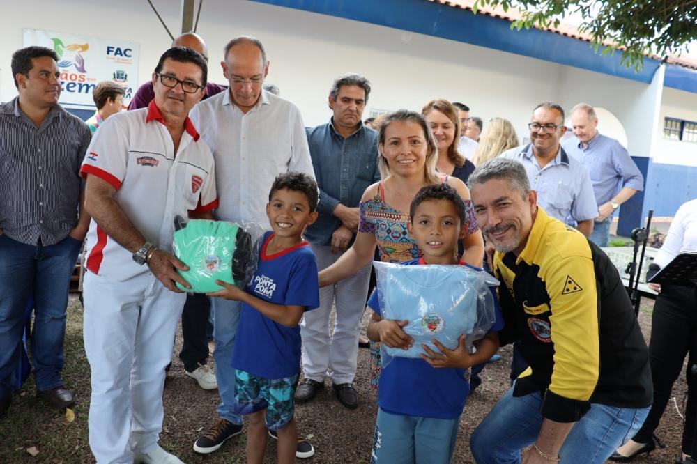 Campanha do Agasalho foi apresentada durante solenidade na Escola Manoel Martins