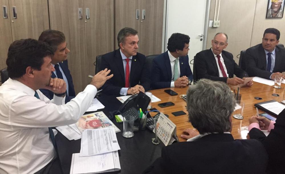 Prefeito Hélio Peluffo e secretário de Saúde, Dr. Patrick Derzi cumpriram agenda em Brasília