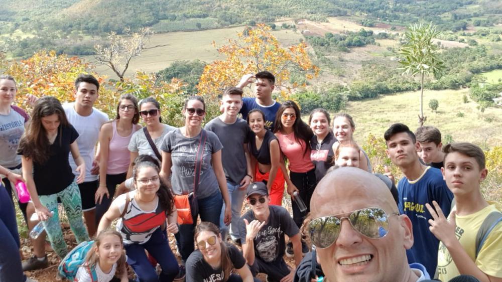 98 km de trilhas e cachoeiras onde juntos com os alunos realizamos uma trilha 4 km
