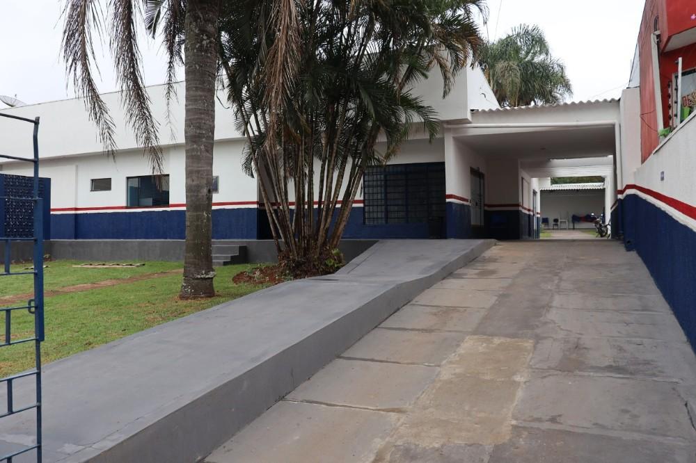 Prefeito Hélio entrega reforma do Centro de Atenção a Pessoas em Situação de Rua