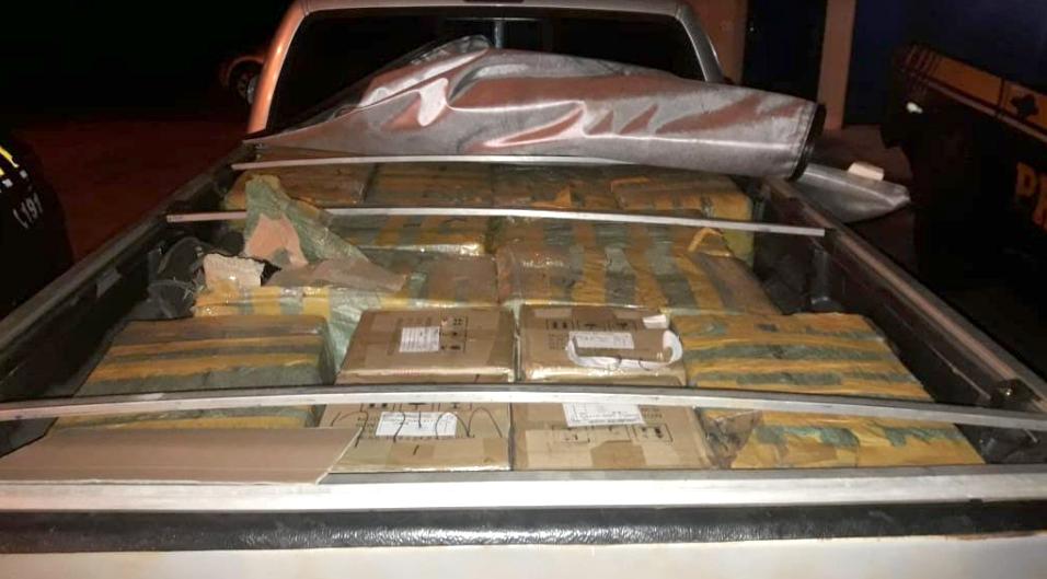 Carga tinha mais de mil cigarros eletrônicos e vale R$ 200 mil - Foto: Divulgação/PRF