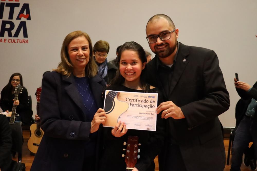 Funcespp entregou certificados de curso de violão popular