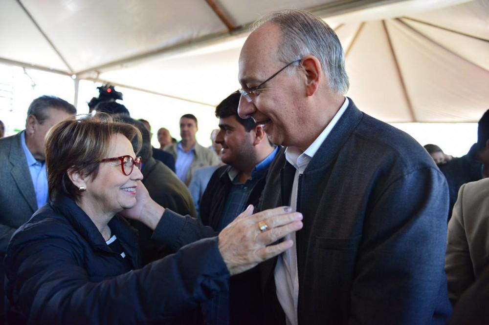 Prefeito Hélio recebe patrulha mecanizada em evento com ministra e governador