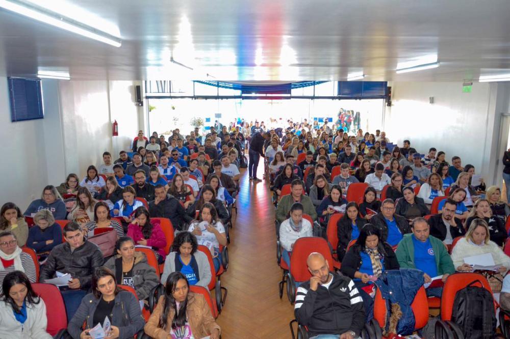 Eles receberam as boas vindas do reitor Luiz Alberto López Zayas