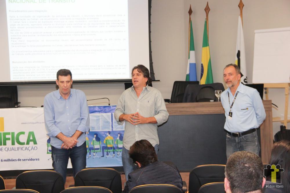 Caravina (c) durante evento na Assomasul (Foto: Edson Ribeiro)