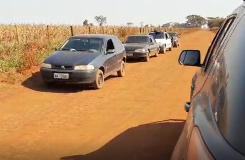 DOF apreende comboio de veículos com produtos ilegais do Paraguai