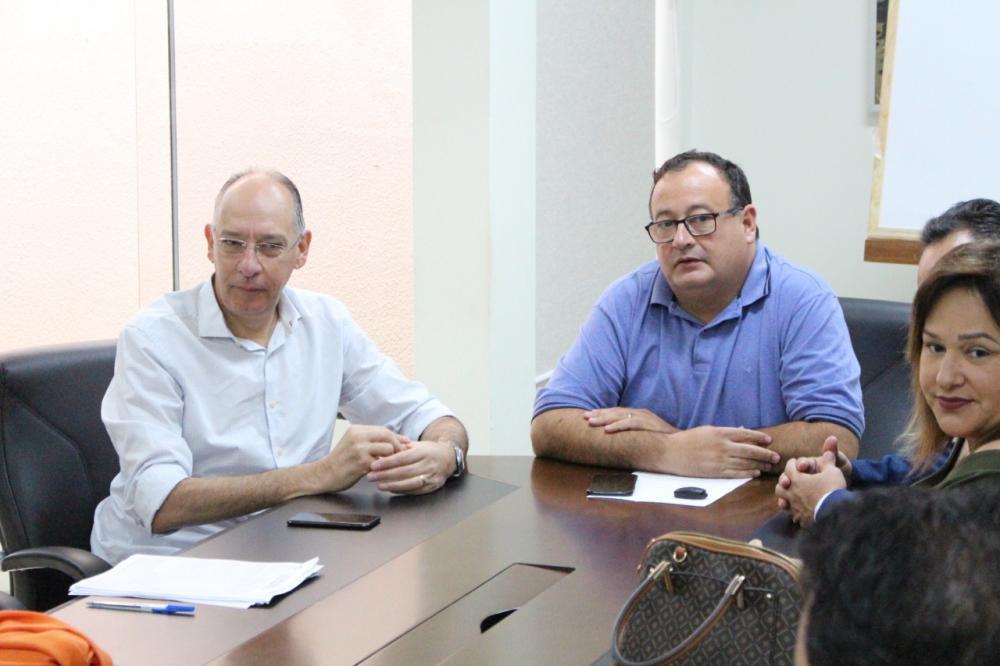 Prefeitos da região estiveram reunidos para debater questão