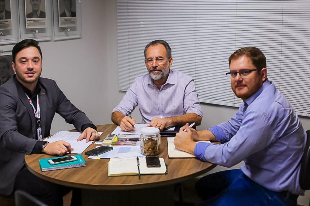 Rodrigo Franco (e), Zé Cabelo e Diego Abud (Foto: Mayra Castro/AMM)