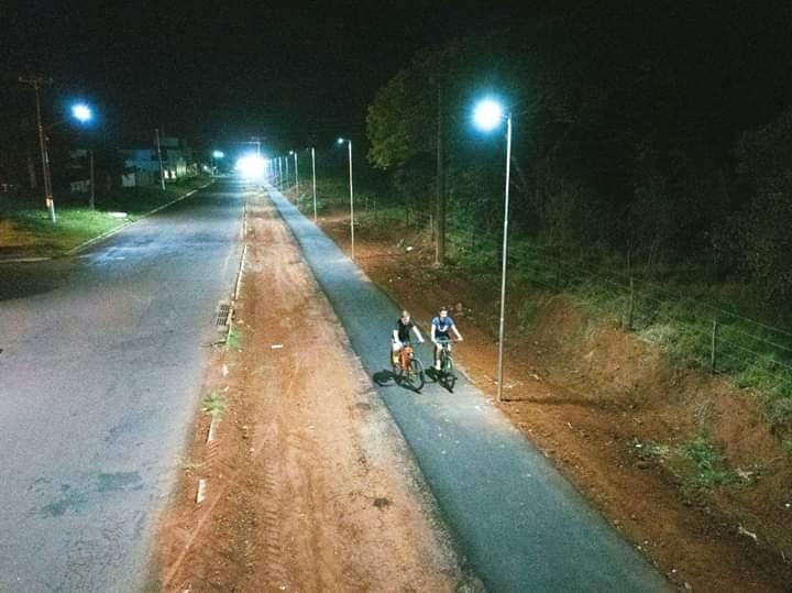 Prefeitura instala iluminação no trecho da ciclovia