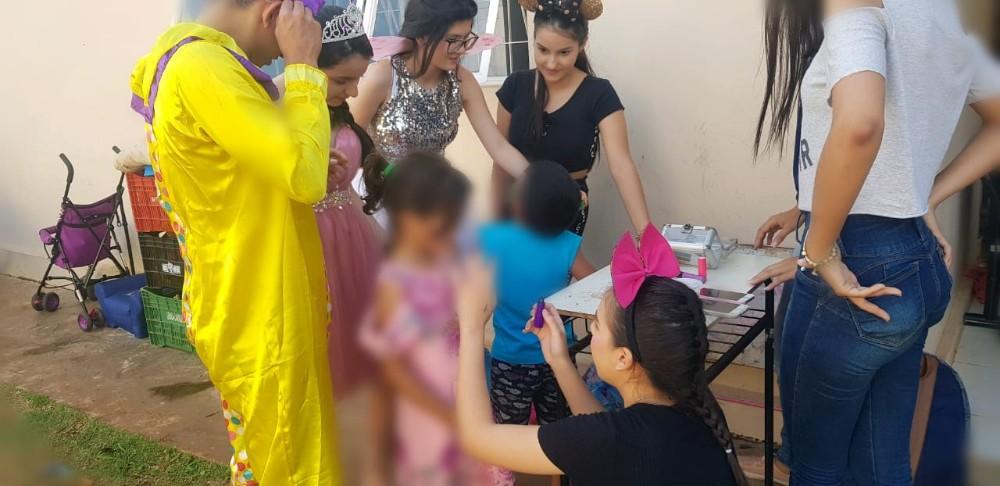 Alunos do Ensino Médio da Escola Objetivo Magsul visitaram Abrigo Municipal