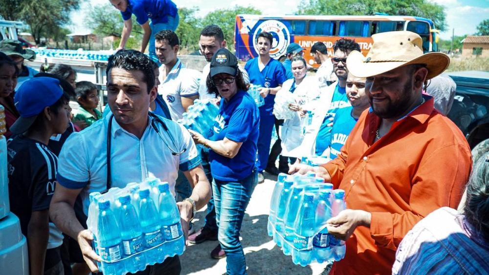 Foram distribuídos mais de 25 mil litros de água para as comunidades de Takye Axá,Guarani,Nivaclé e Guarani Añete