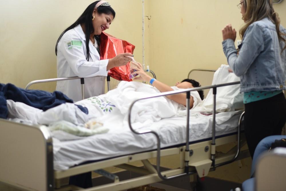 Hospital Regional de Ponta Porã celebra Dia das Crianças com pacientes da pediatria